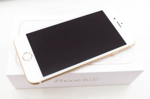 iPhone 6s 128GB SIM�t���[ [�S�[���h]